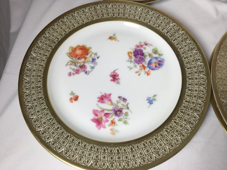 Set of 12 Tirschenreuth Porcelain Service Plates For Sale 2