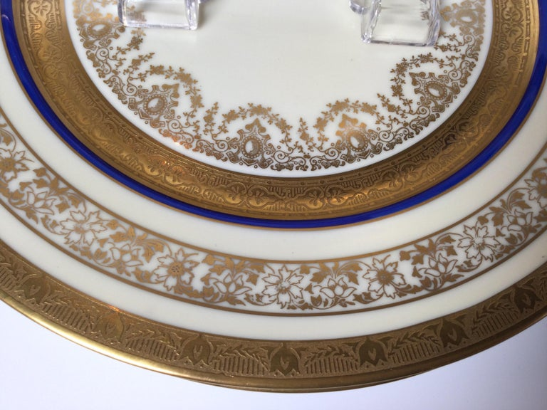 20th Century Set of 12 Cobalt and Gilt Service Dinner Plates For Sale