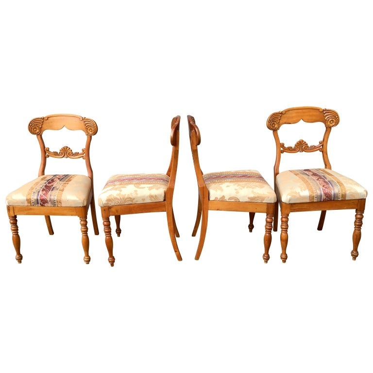 Set of 4 19th Century Biedermeier Dining Room Chairs, Sweden In Good Condition For Sale In Haddonfield, NJ