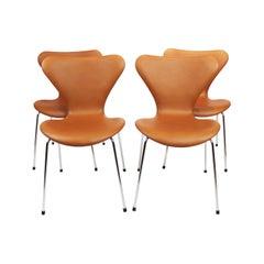 Set of 4 Seven Chairs, Model 3107, Cognac Leather, Designed by Arne Jacobsen