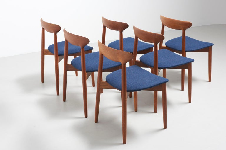 Set of 6 Dinning Chairs by Harry Østergaard For Sale 5