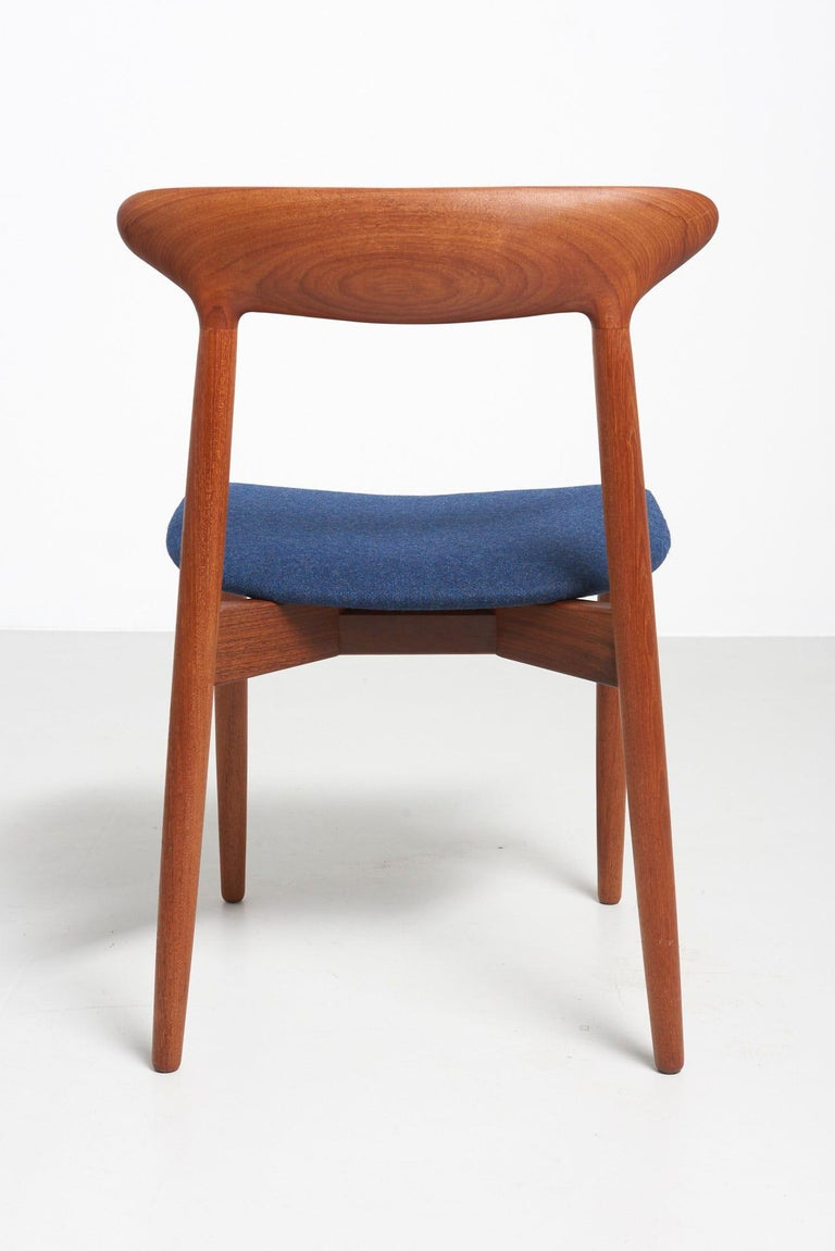 Set of 6 Dinning Chairs by Harry Østergaard For Sale 1