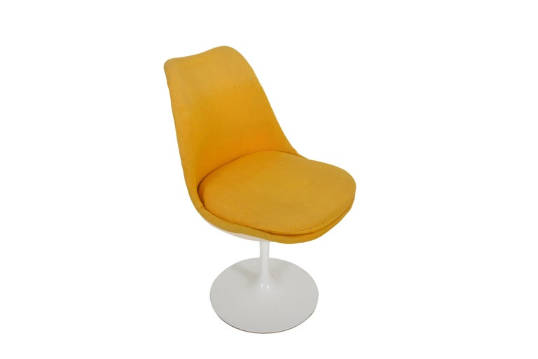 Set of 6 Eero Saarinen Knoll Production 1960 Tulip Chairs In Good Condition For Sale In Sint-Kruis, BE