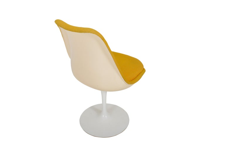 Metal Set of 6 Eero Saarinen Knoll Production 1960 Tulip Chairs For Sale