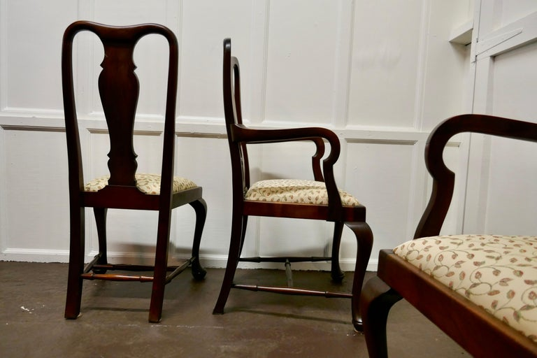 Set of 6 Queen Anne Style Mahogany Dining Chairs For Sale 4
