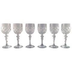 Set of 6 Red Wine Glasses in Crystal. Elegant and Classic Design
