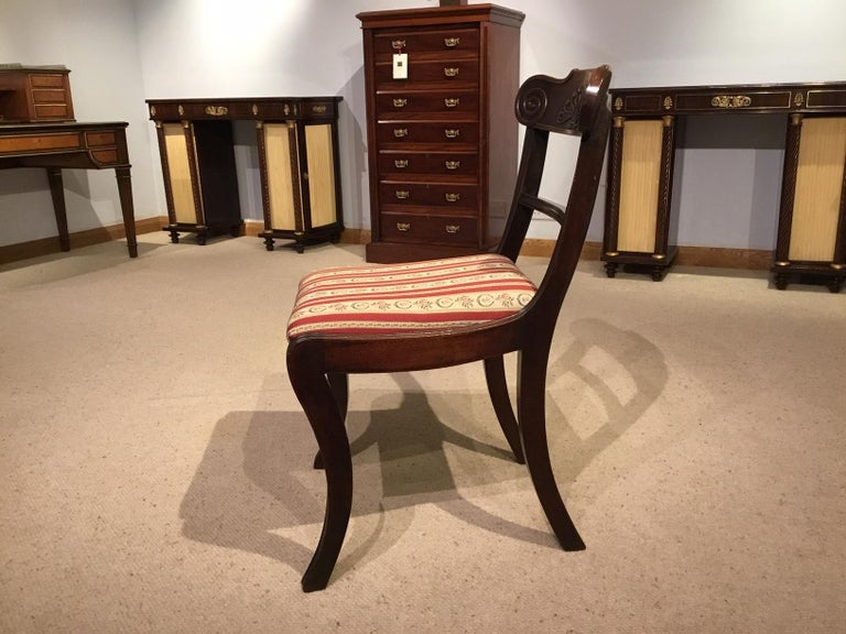 A Set of 8 English Regency Mahogany Dining Chairs For Sale 2