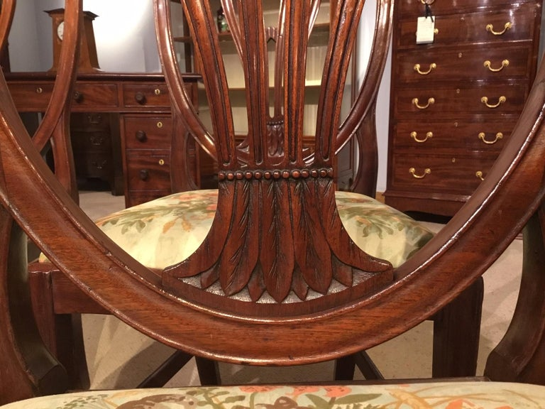 Set of 8 Georgian Mahogany Dining Chairs In Excellent Condition For Sale In Darwen, GB