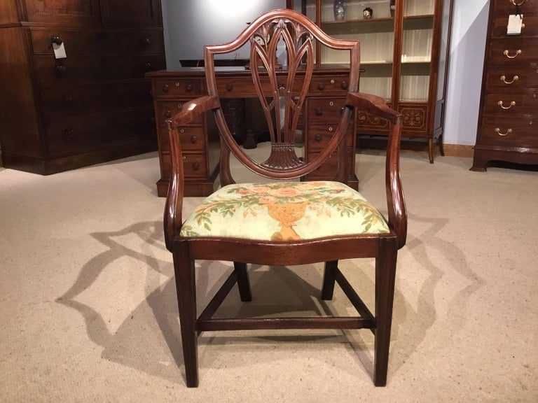 Set of 8 Georgian Mahogany Dining Chairs For Sale 4