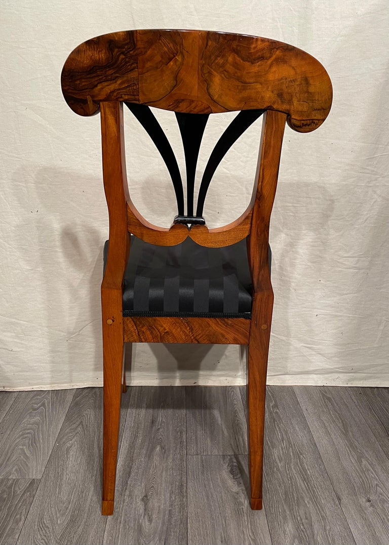Set of Four Biedermeier Chairs, South Germany, 1820 In Good Condition For Sale In Belmont, MA