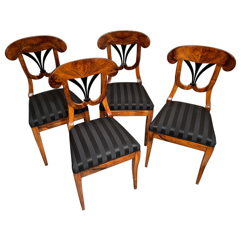 Set of Four Biedermeier Chairs, South Germany, 1820 For Sale