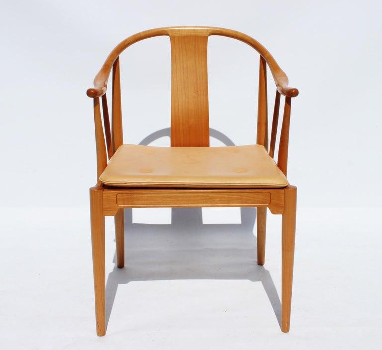Scandinavian Modern Set of Four China Chairs, Model 4283, by Hans J. Wegner and Fritz Hansen For Sale