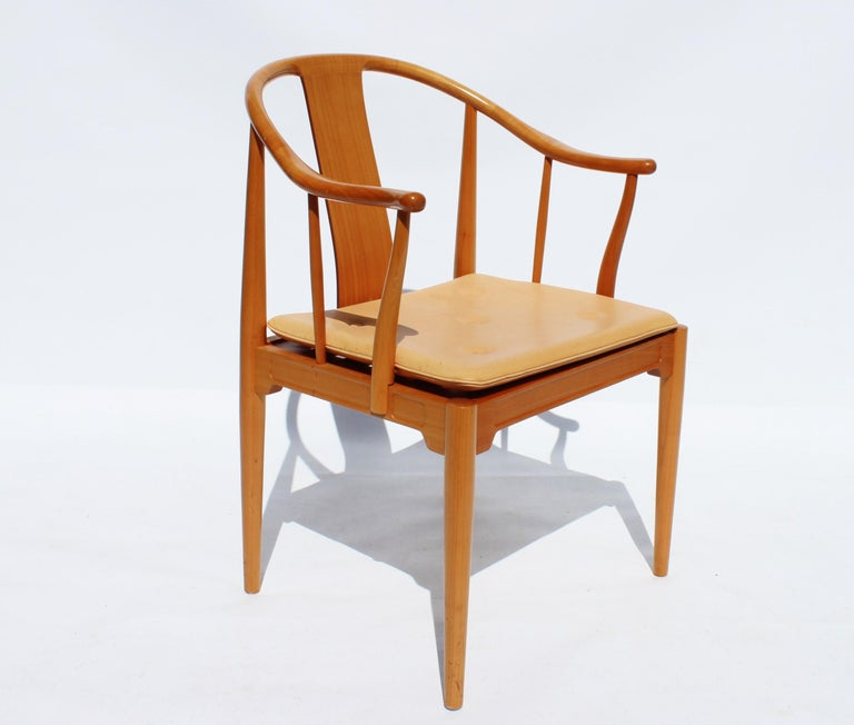 Mid-20th Century Set of Four China Chairs, Model 4283, by Hans J. Wegner and Fritz Hansen For Sale