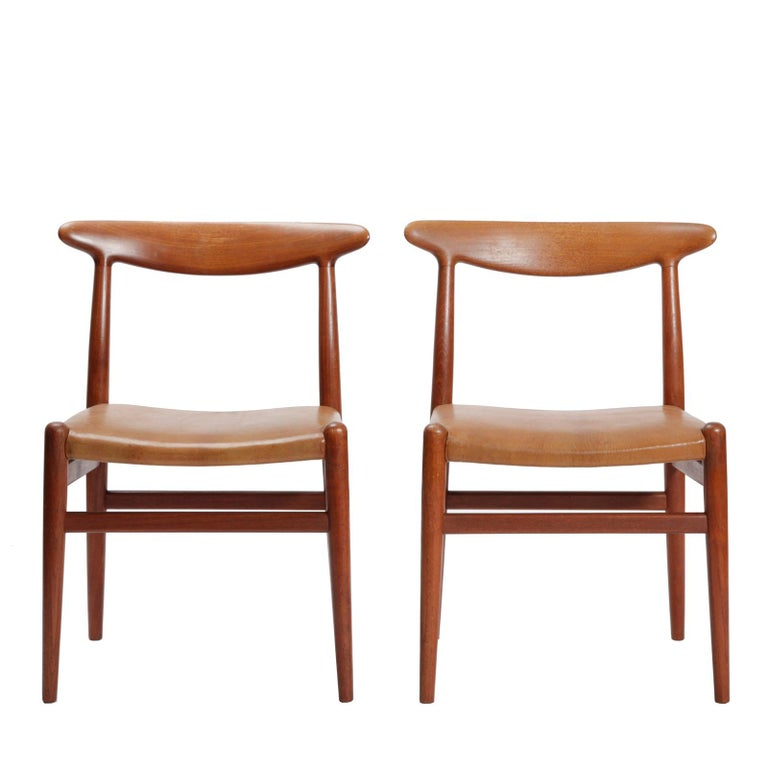 Hand-Crafted Set of Four Danish Dining Chairs Designed by Hans Wegner For Sale