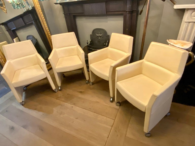 Set of Four Italian White Leather Chairs by Enrico Pellizzoni In Good Condition For Sale In London, GB