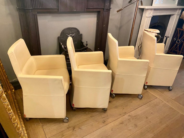 Set of Four Italian White Leather Chairs by Enrico Pellizzoni For Sale 1
