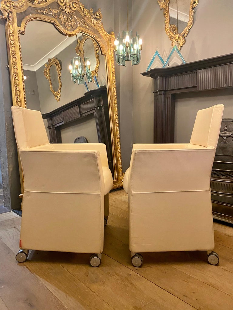 Set of Four Italian White Leather Chairs by Enrico Pellizzoni For Sale 5