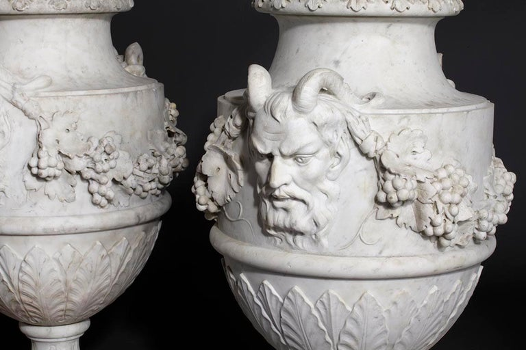19th Century Set of French Sculpted White Marble Vases in Neoclassical Style For Sale