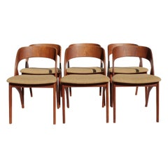 Set of Six Dining Room Chairs in Teak and Light Fabric of Danish Design, 1960s