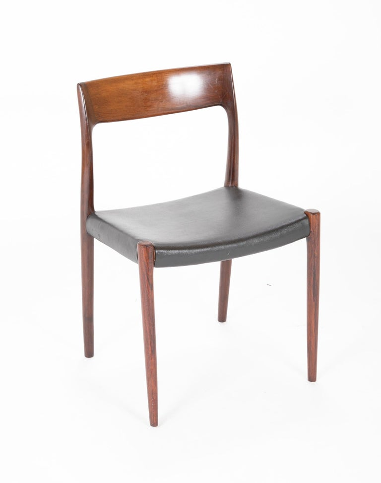 Mid-Century Modern Set of Four Model 77 Niels Moller Rosewood Dining Chairs For Sale