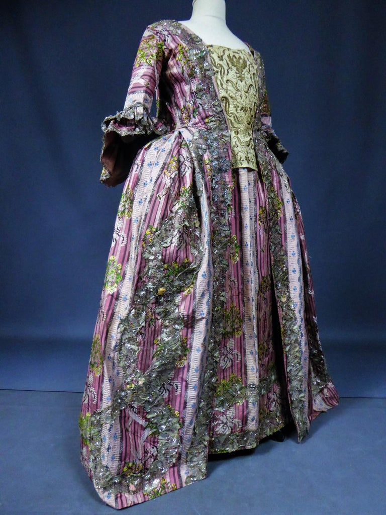 A Silver Silk Brocade French Court Robe à la Française- Circa 1765/1780 For Sale 3