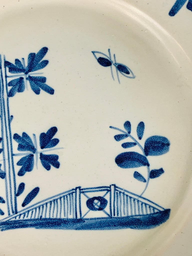 Small Blue and White Hand-Painted Delft Plate Made, circa 1740 For Sale 1