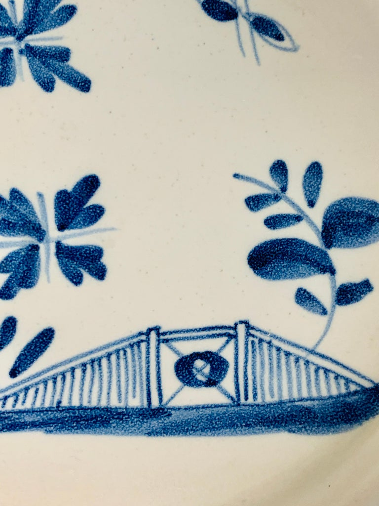 Small Blue and White Hand-Painted Delft Plate Made, circa 1740 For Sale 2