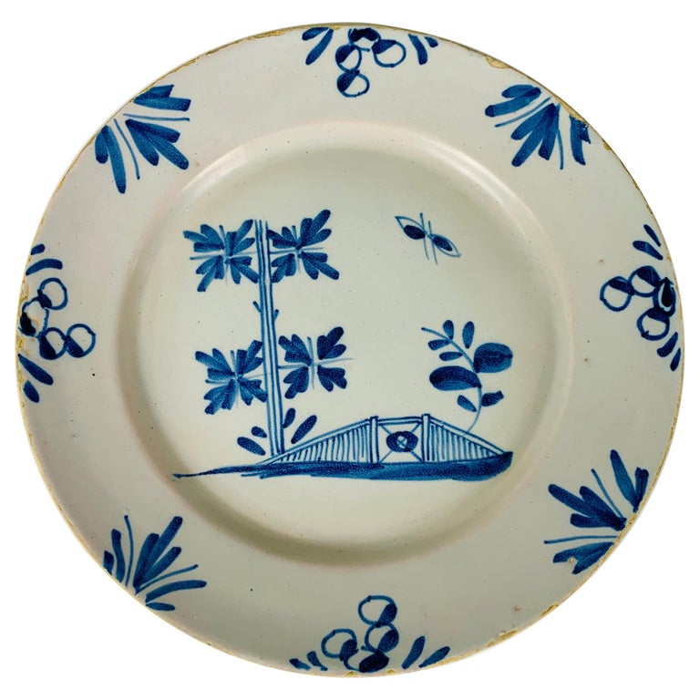 Small Blue and White Hand-Painted Delft Plate Made, circa 1740 For Sale