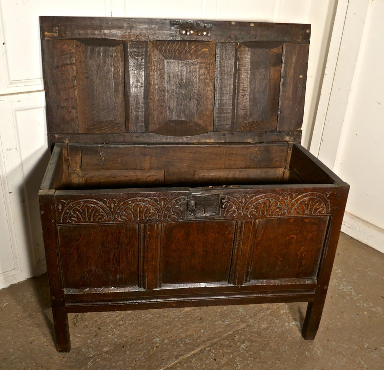 Small Early 17th Century Carved Oak Coffer, 1621 For Sale 6