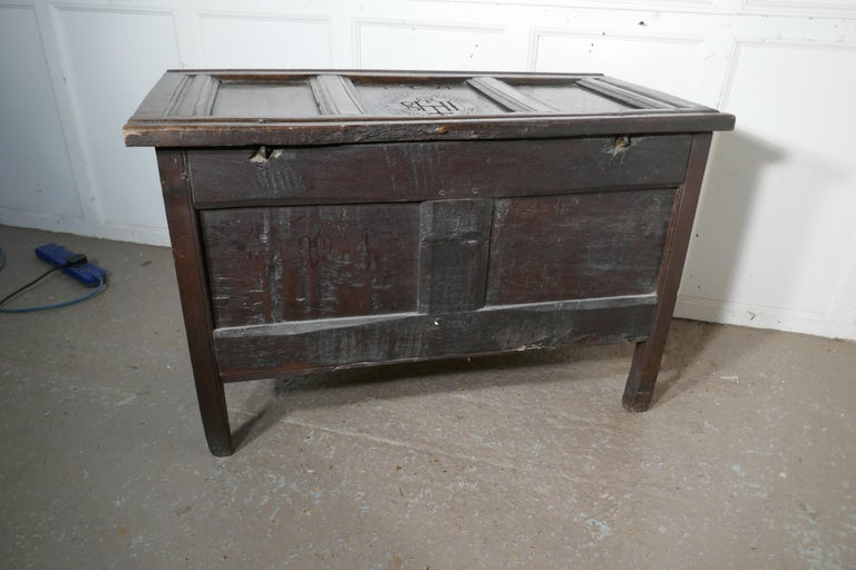 Small Early 17th Century Carved Oak Coffer, 1621 For Sale 8