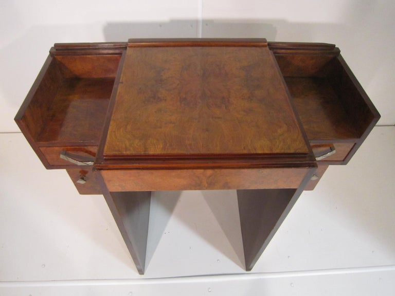 Small French Art Deco Writing Desk/ vanity For Sale 3