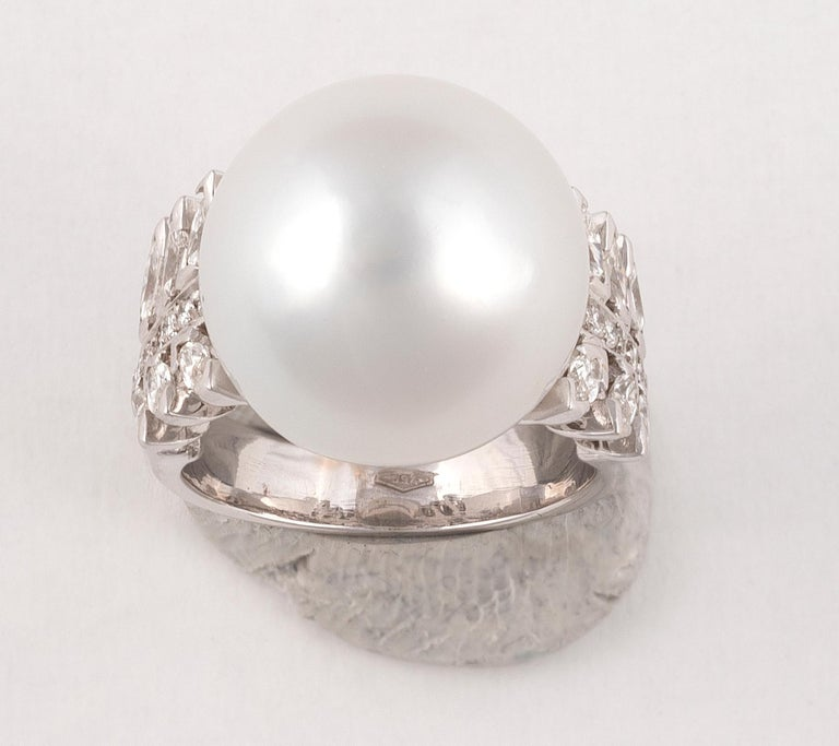 Contemporary South Sea Cultured Pearl, Diamond and White Gold Ring For Sale