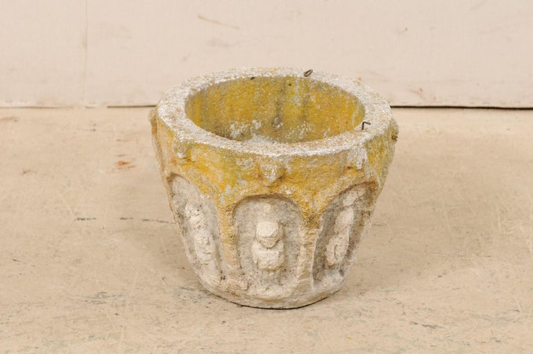 Spanish Stone Planter Adorned with Figures and Archways, Early 20th Century For Sale 3