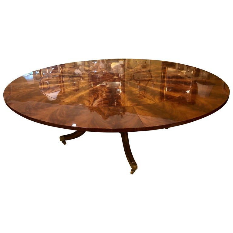 Georgian Style Flame Mahogany Sunburst Inlaid Circular Dining Table Leaves For Sale