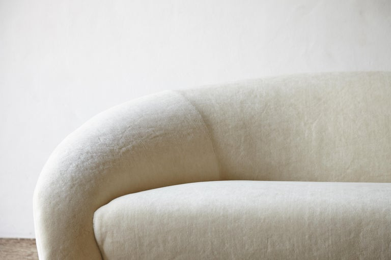 Superb Curved Italian Sofa, Newly Upholstered in Alplaca, Late 1970s-Early 1980s 1