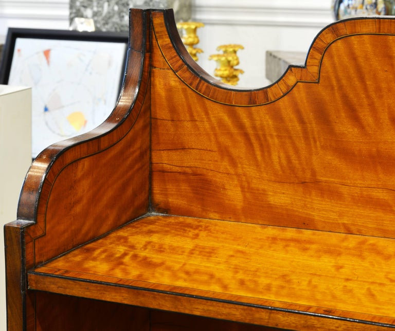 Superior English Adam Style Three-Tier Inlaid Tiger Maple Server or Sideboard For Sale 6