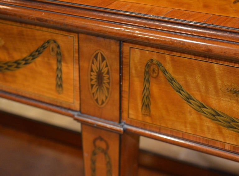 Superior English Adam Style Three-Tier Inlaid Tiger Maple Server or Sideboard For Sale 8