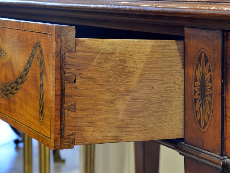 Superior English Adam Style Three-Tier Inlaid Tiger Maple Server or Sideboard For Sale 10