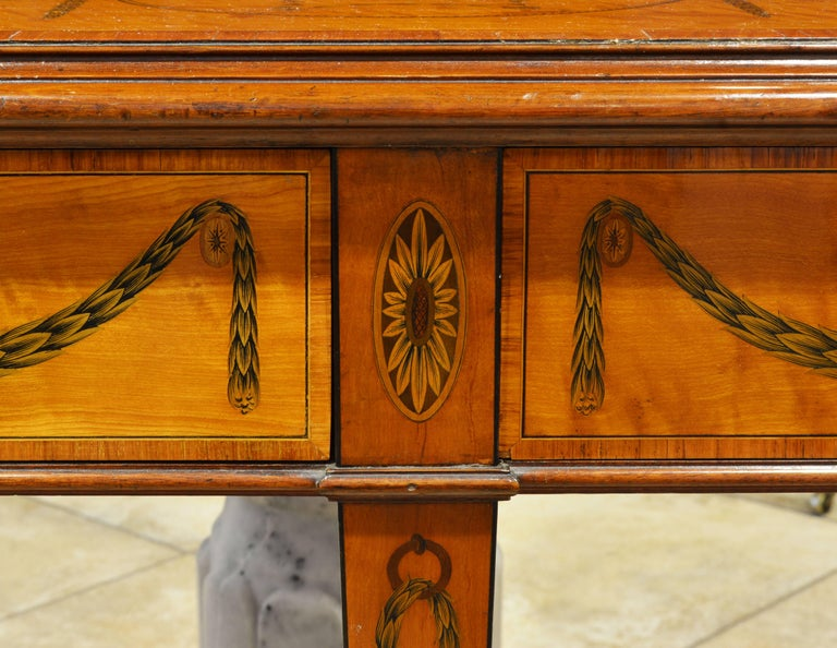 Superior English Adam Style Three-Tier Inlaid Tiger Maple Server or Sideboard For Sale 2