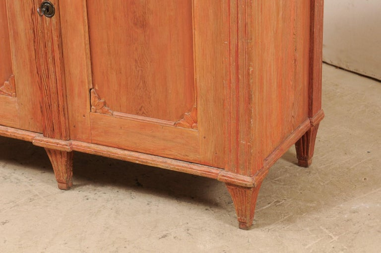 Swedish Gustavian Cabinet with Original Color, Turn of 18th-19th Century For Sale 1