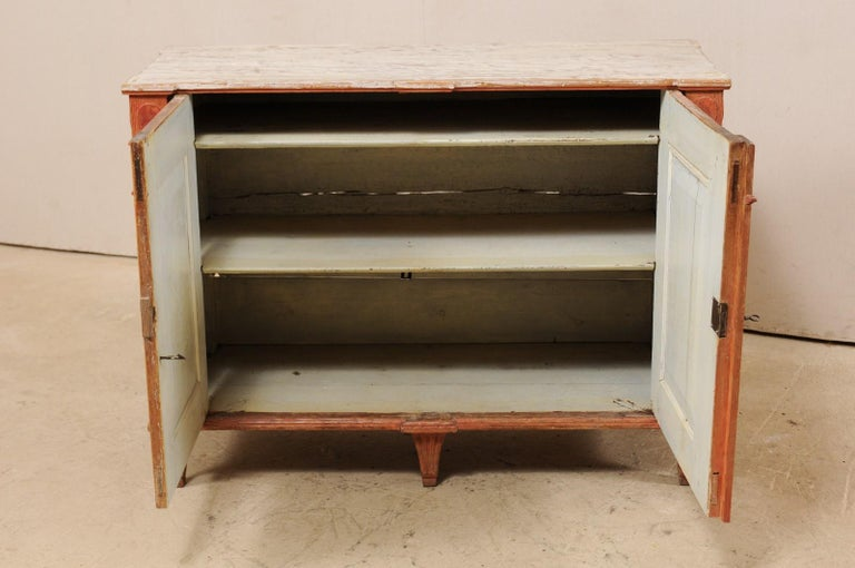 Swedish Gustavian Cabinet with Original Color, Turn of 18th-19th Century For Sale 2