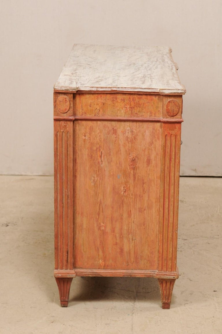 Swedish Gustavian Cabinet with Original Color, Turn of 18th-19th Century For Sale 4