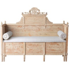Swedish Gustavian Period Bench in Original Paint with Elaborate Bow, circa 1790