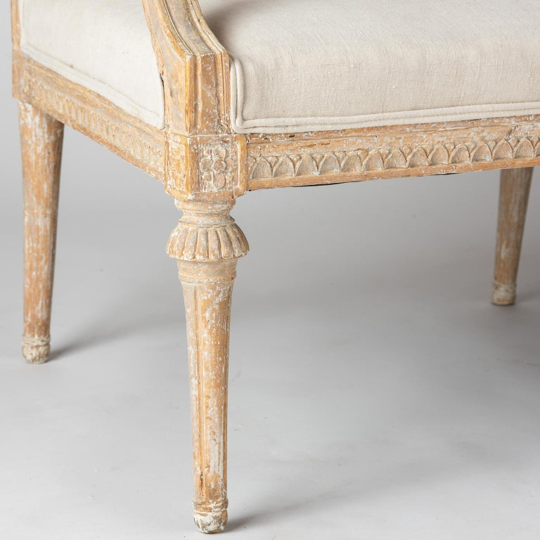 Hand-Carved Swedish Gustavian Period Settee in Original Surface, circa 1790 For Sale