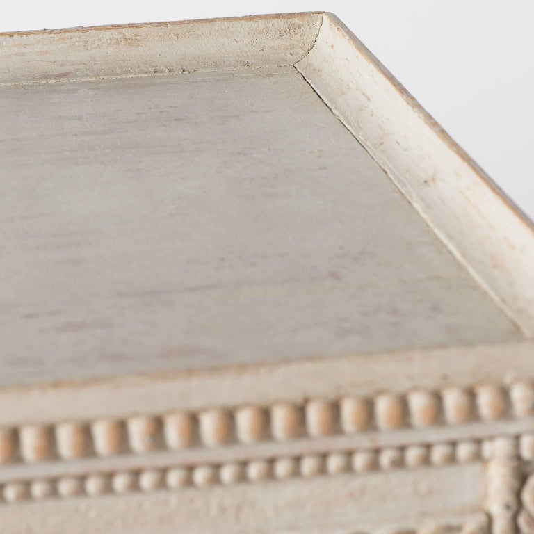 Swedish Gustavian Style Tray Table In Good Condition For Sale In New Preston, CT