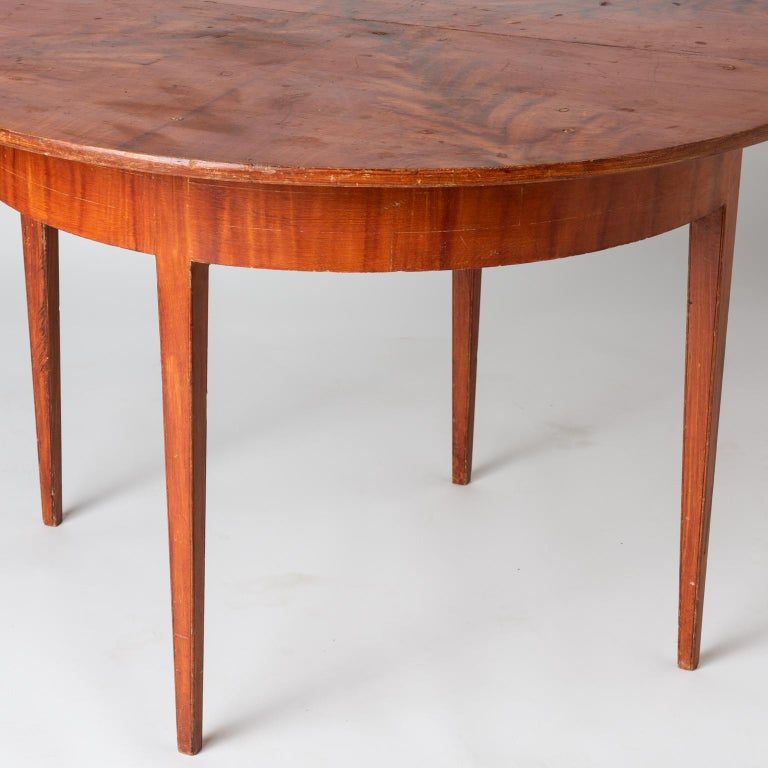 Swedish, Late Gustavian Period, Grain Painted Drop-Leaf Table, circa 1820 For Sale 1