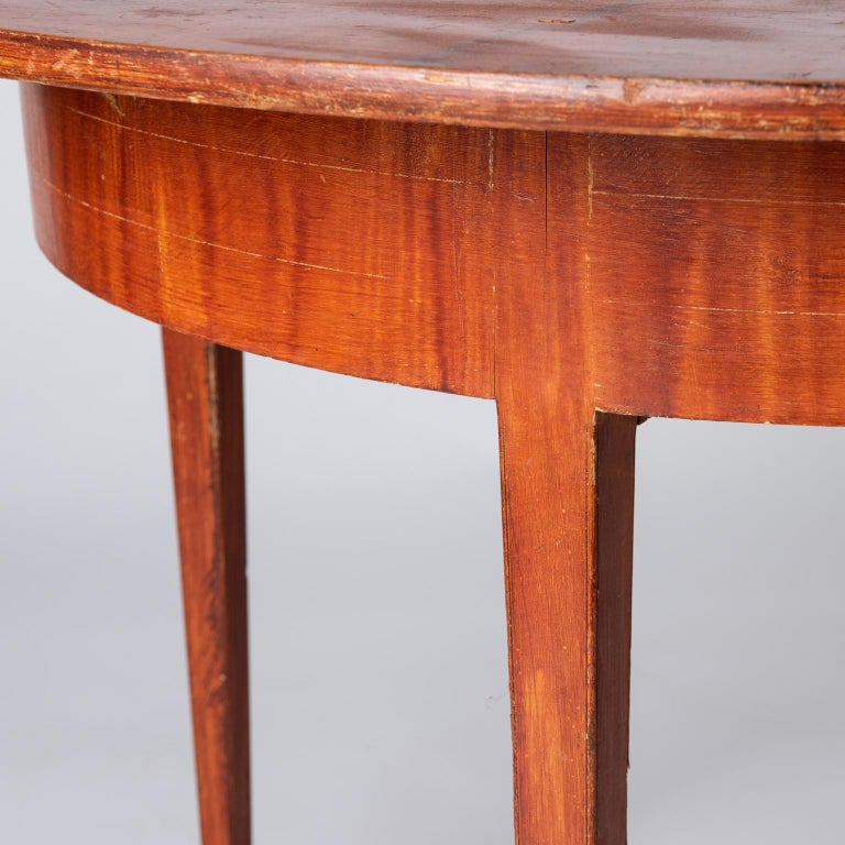 Swedish, Late Gustavian Period, Grain Painted Drop-Leaf Table, circa 1820 For Sale 2