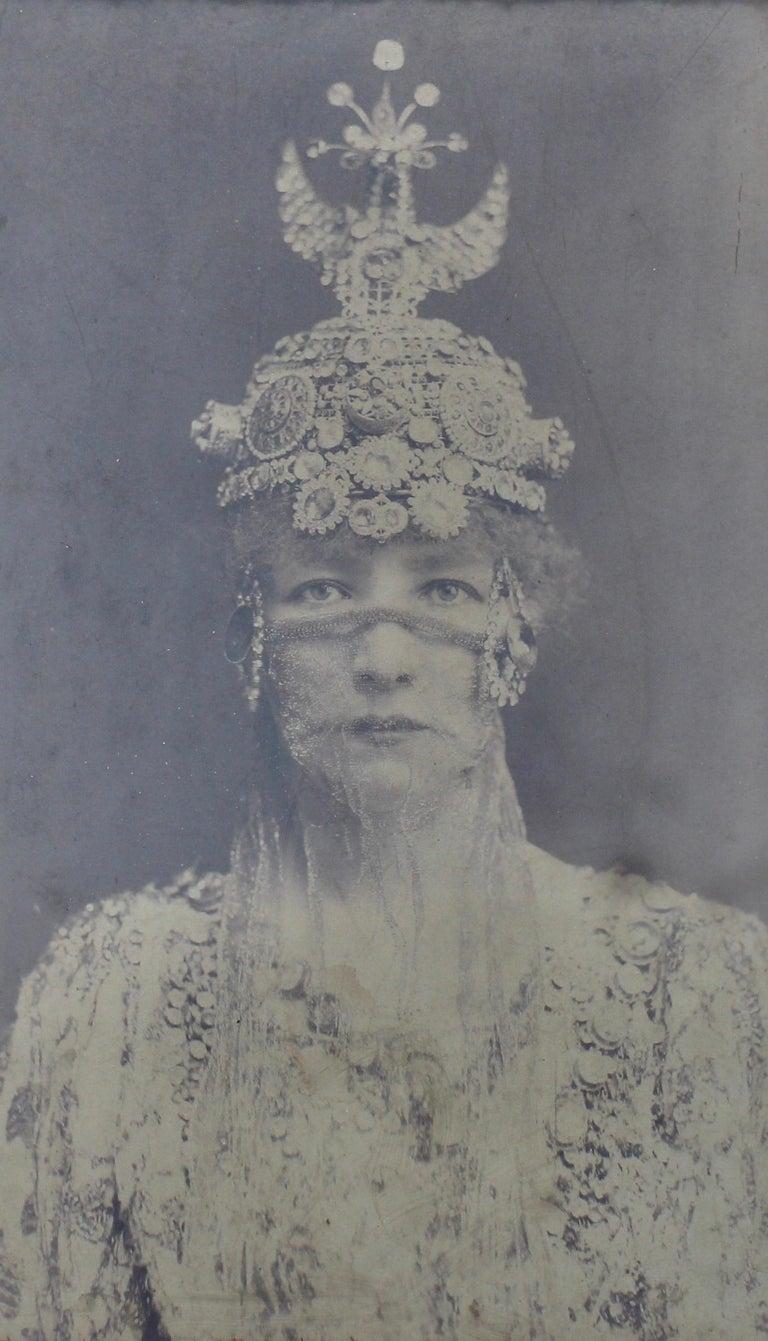 Symbolist Art Nouveau Picture Frame and Sarah Bernhardt Photo, circa 1900 For Sale 3