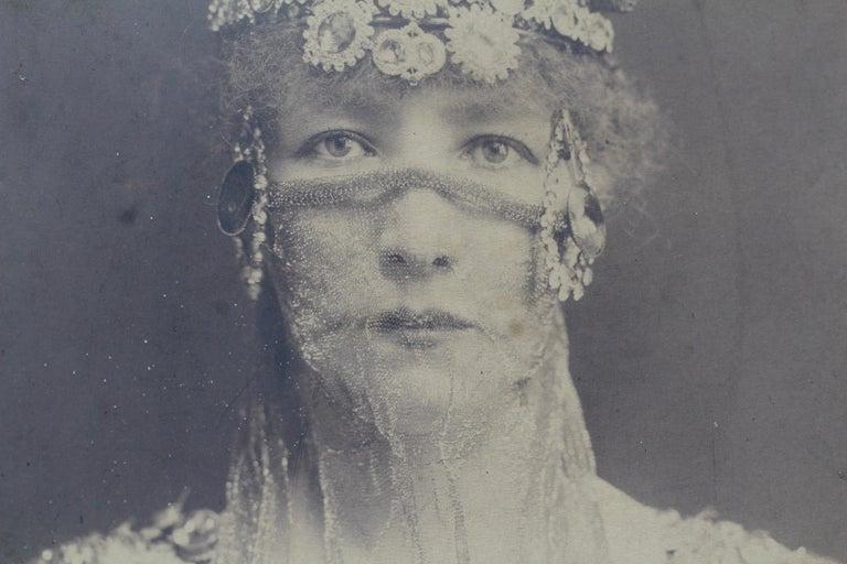 Symbolist Art Nouveau Picture Frame and Sarah Bernhardt Photo, circa 1900 For Sale 4