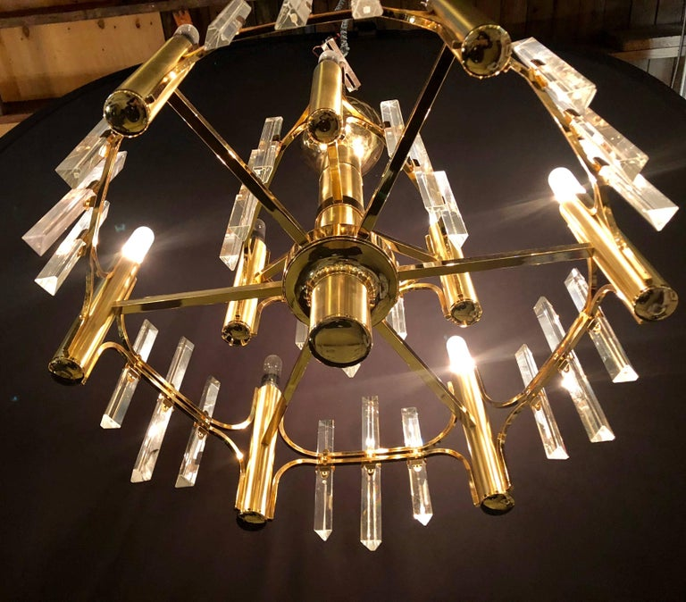 Tommi Parzinger Style Brass Chandelier Cylindrical Lights Crystal Prisms In Good Condition For Sale In Stamford, CT